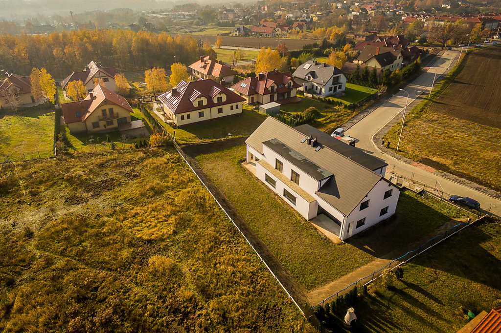 nieruchomosci-kostuchna-drona-0159.jpg